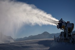 snow-cannon-999283_640